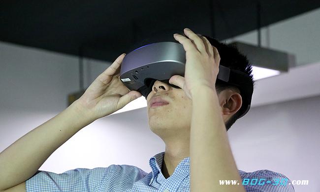 VR动画,VR创作团队,VR头盔秀